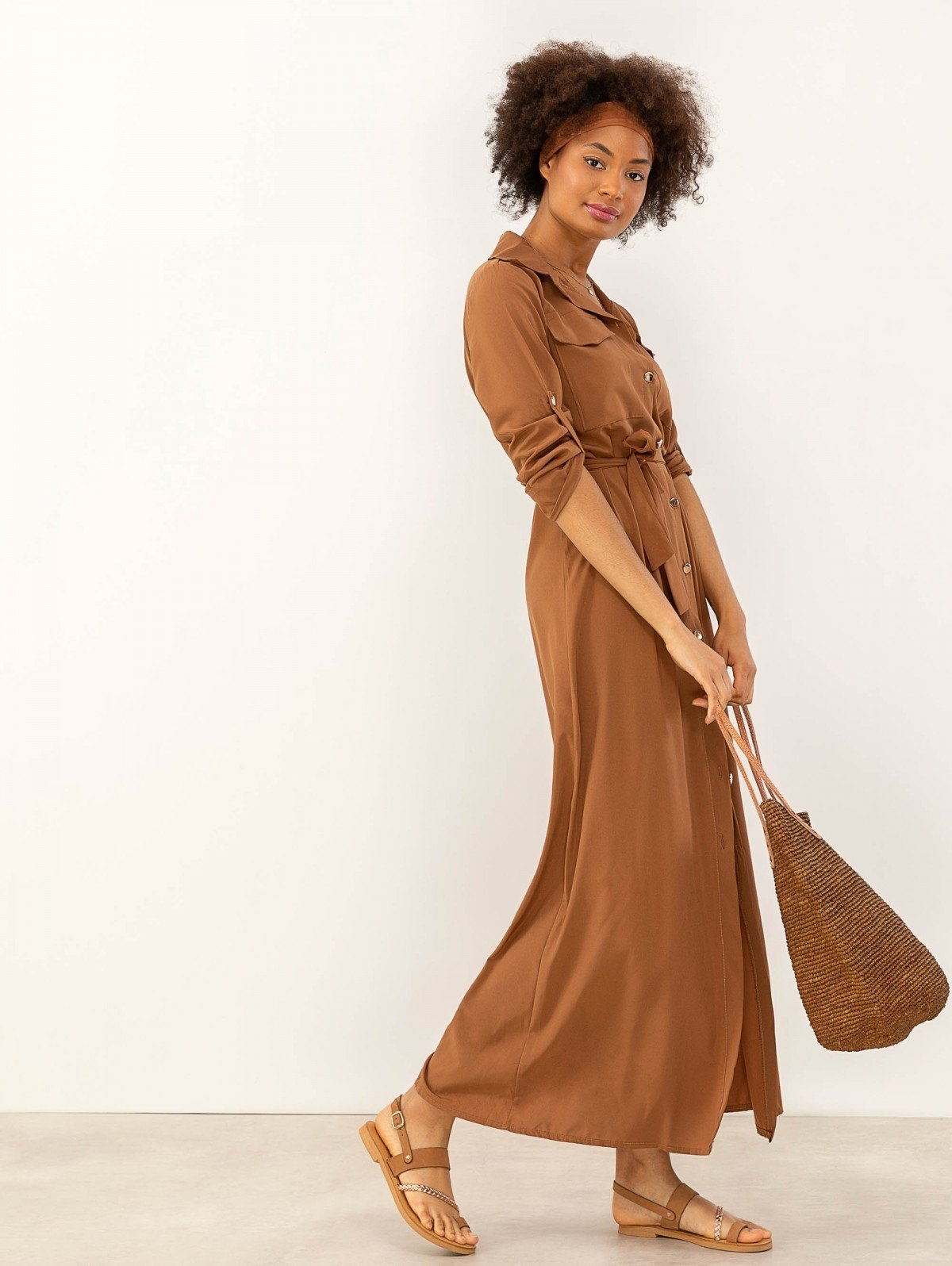 b69354bb88aa Maxi φόρεμα πουκάμισο με χρυσά κουμπιά - Καφέ