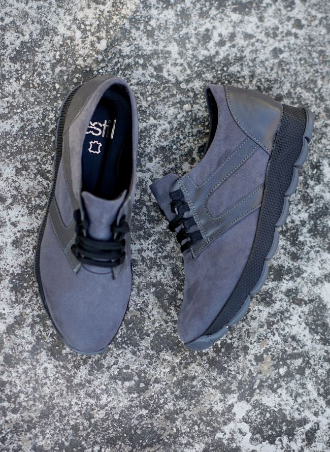 ESTIL SUEDE SNEAKERS