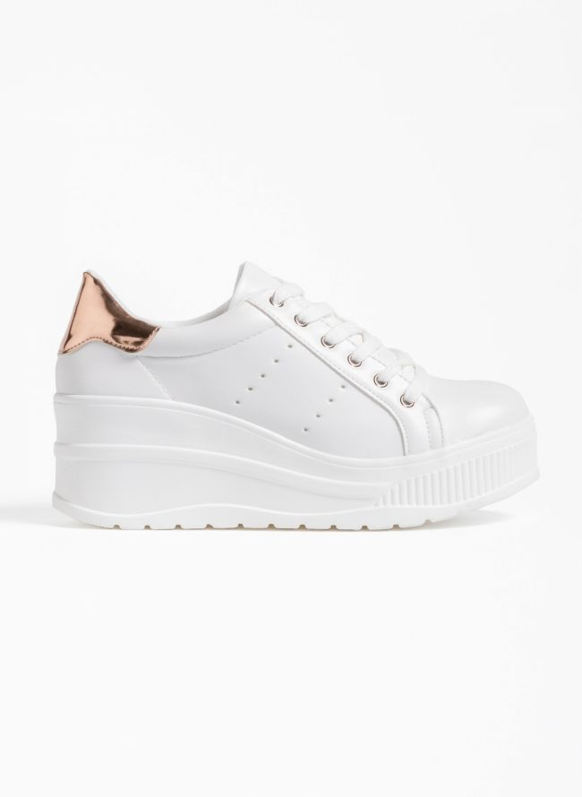 Αθλητικά παπούτσια με λεπτομέρεια στην φτέρνα - Λευκό