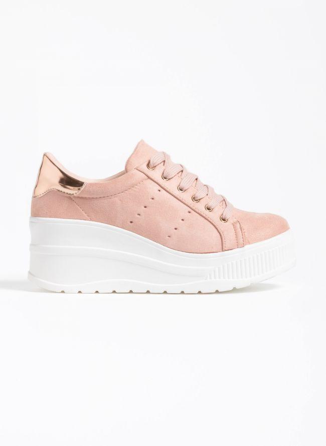 Αθλητικά παπούτσια με λεπτομέρεια στην φτέρνα - Ροζ