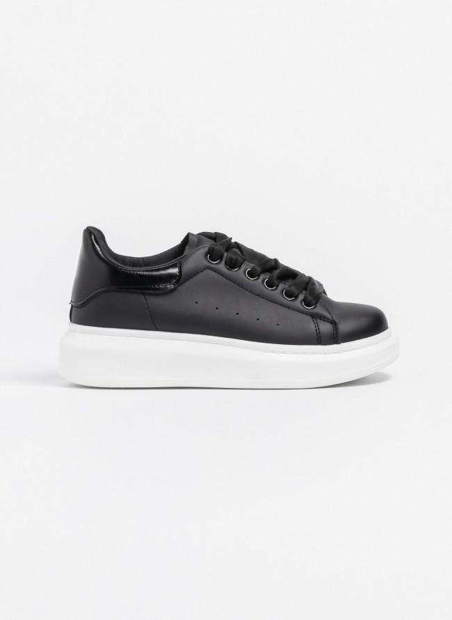 636bdc72da7 Αθλητικά παπούτσια με λεπτομέρεια στην φτέρνα - Μαύρο