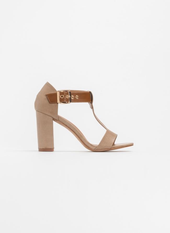 45b0f7e9ae Block heel πέδιλα με ανάγλυφο μοτίβο - Πούρο