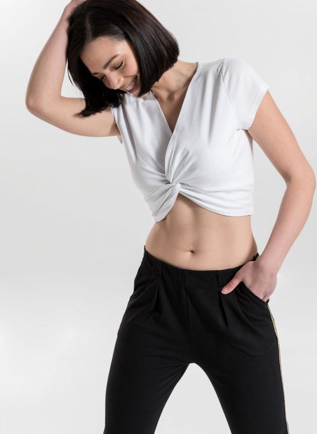 Crop top με κόμπο και λαιμόκοψη - Λευκό