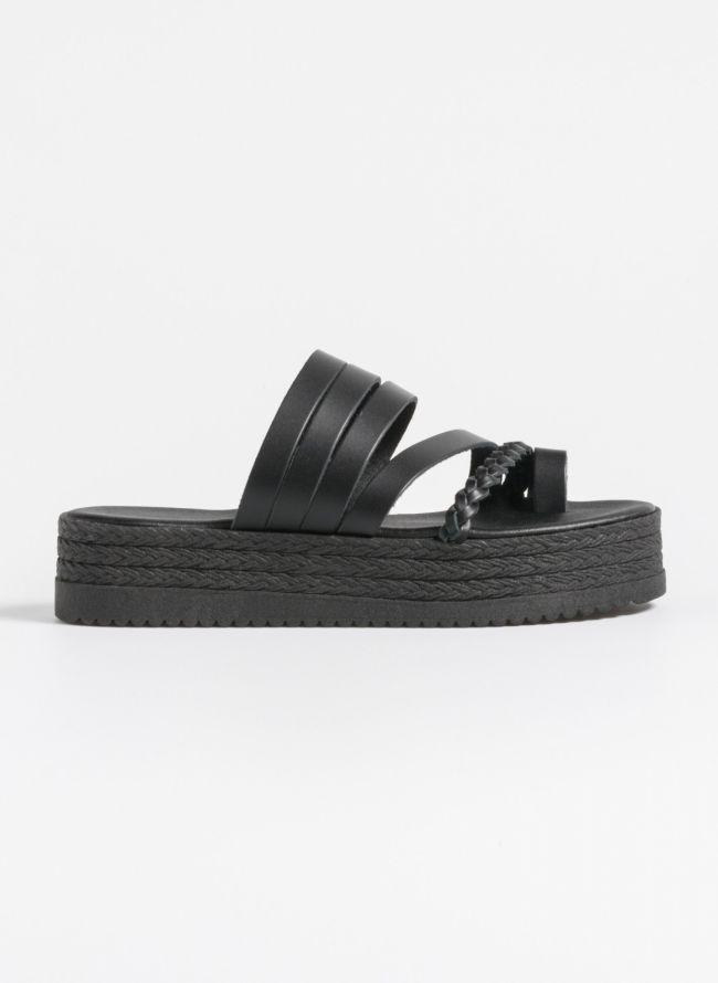 Δερμάτινα flatforms με κοτσιδάκι - Μαύρο