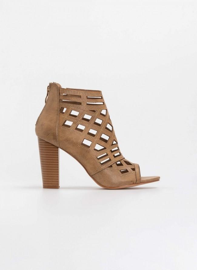 b97eb43e15b Διάτρητα peep toe μποτάκια αστραγάλου με ξύλινο τακούνι - Πούρο