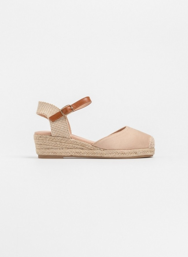 Suede espadrilles με λουράκι - Χακί - TheFashionProject 1491375a070