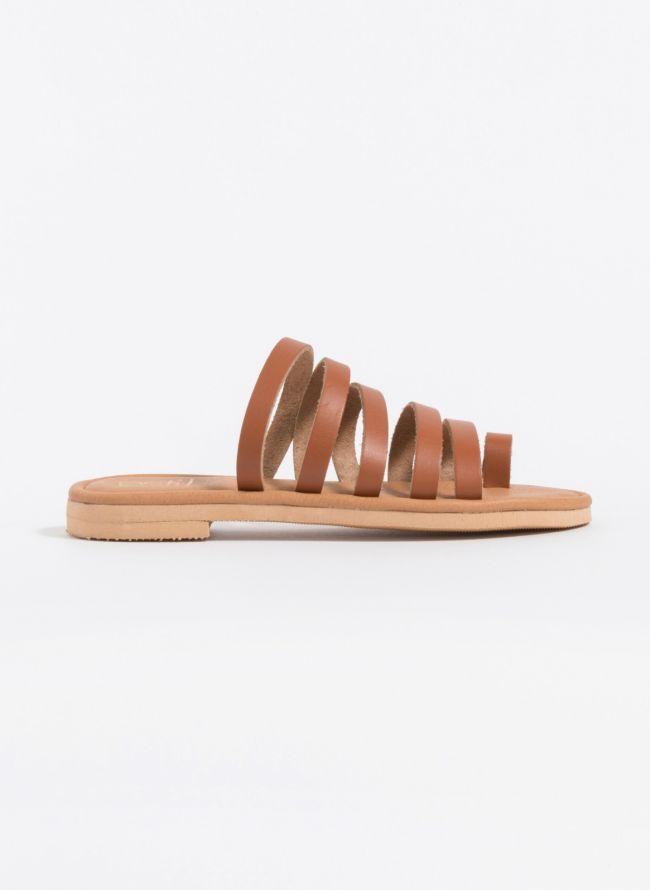 Estil δερμάτινα flat σανδάλια με λουράκια - Ταμπά - TheFashionProject cb7b9544c0f