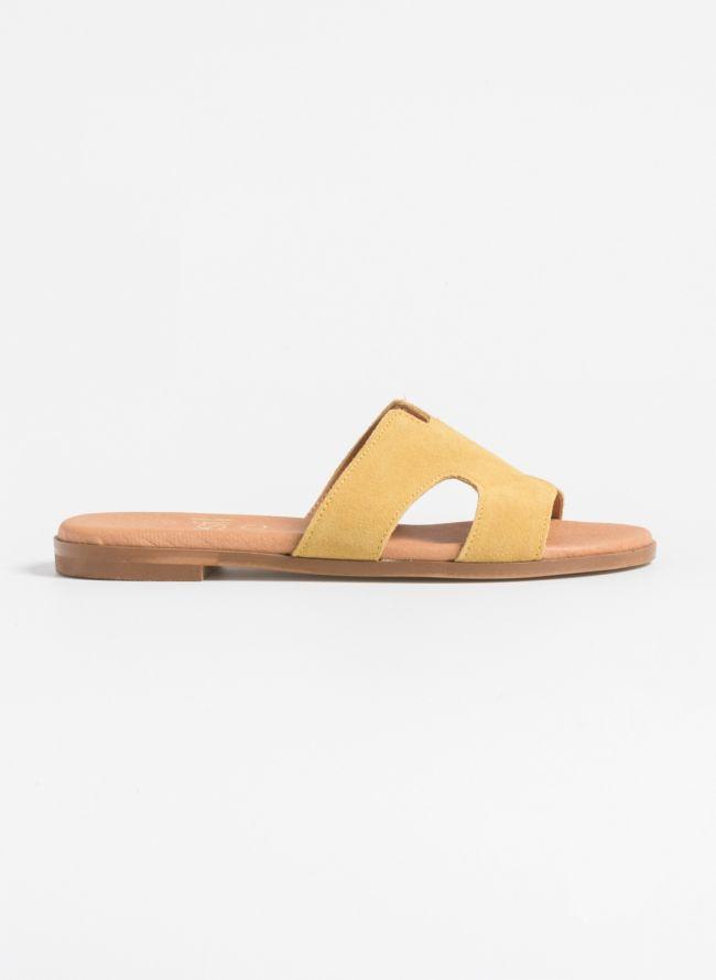 Estil flat δερμάτινα σανδάλια με ανοίγματα - Κίτρινο