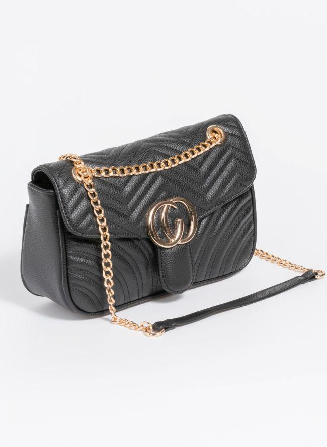 Καπιτονέ τσάντα με καπάκι και λουράκι-αλυσίδα - Μαύρο