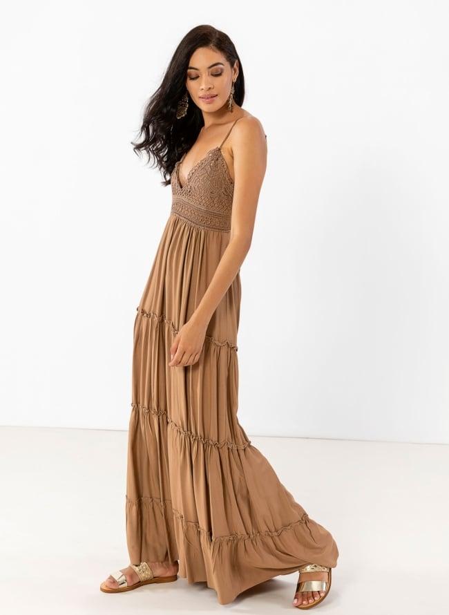 169ca6efbbf Maxi φόρεμα με πλεκτό σχέδιο στο μπούστο - Caramel