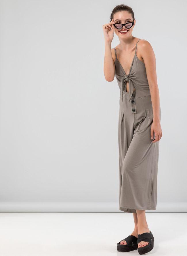 Μονόχρωμη ολόσωμη φόρμα με κουμπια - Πούρο