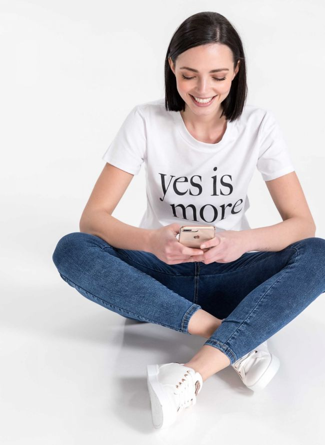 T-shirt YES IS MORE - Λευκό