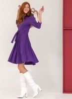 7e6e8a699b12 Φόρεμα πλισέ με κουμπιά στον ώμο - Μωβ - TheFashionProject