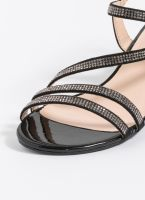 Πέδιλα με strass και χαμηλό τακούνι - Μαύρο - TheFashionProject ba2425bf75c