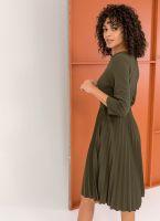 Πλισέ φόρεμα με πιέτα στο μπούστο - Χακί - TheFashionProject a7c18ade8ab