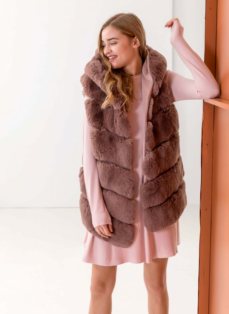 Αμάνικο jacket από οικολογική γούνα - Nude - TheFashionProject 97e07ada151