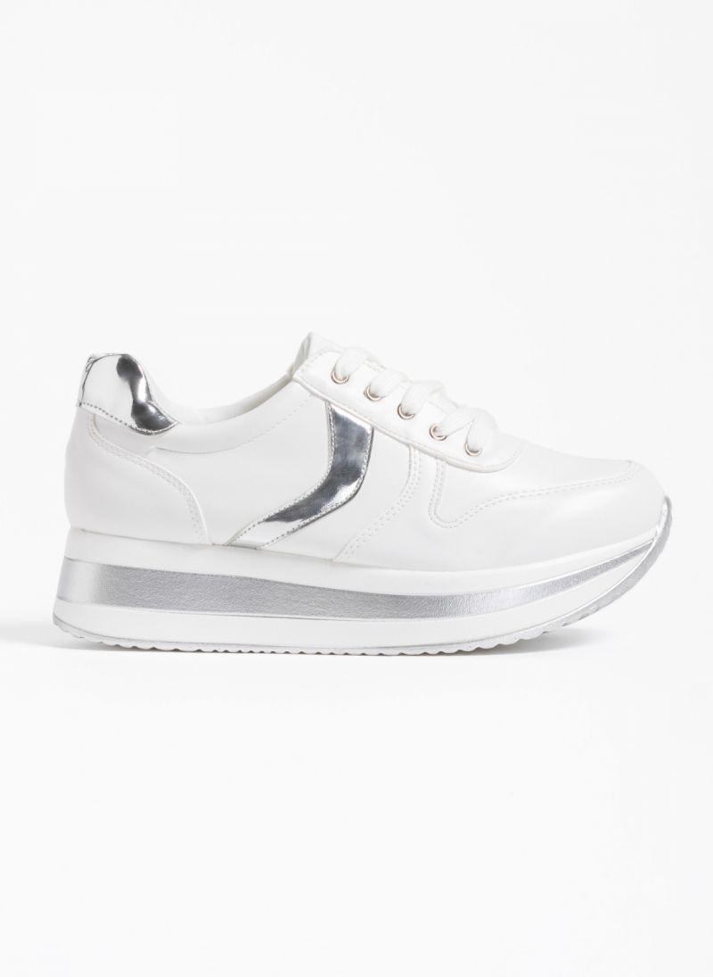 Αθλητικά παπούτσια με διπλή σόλα και λεπτομέρειες από μεταλλικό χρώμα 4c8605a9265