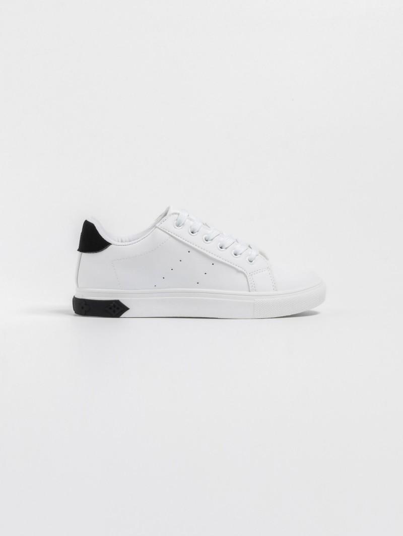 e0b0228aa69 Αθλητικά παπούτσια με διχρωμία - Λευκό/Μαύρο - TheFashionProject