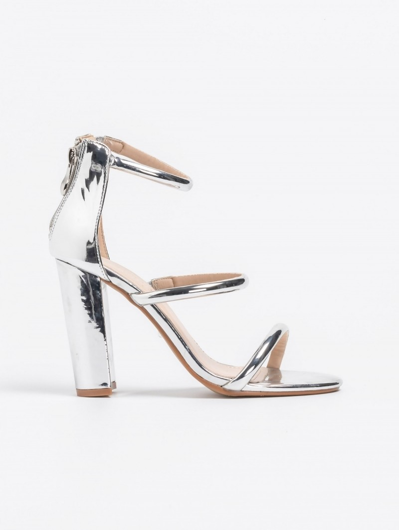 2700f1d30e Block heel πέδιλα σε μεταλλικές αποχρώσεις - Ασημί - TheFashionProject