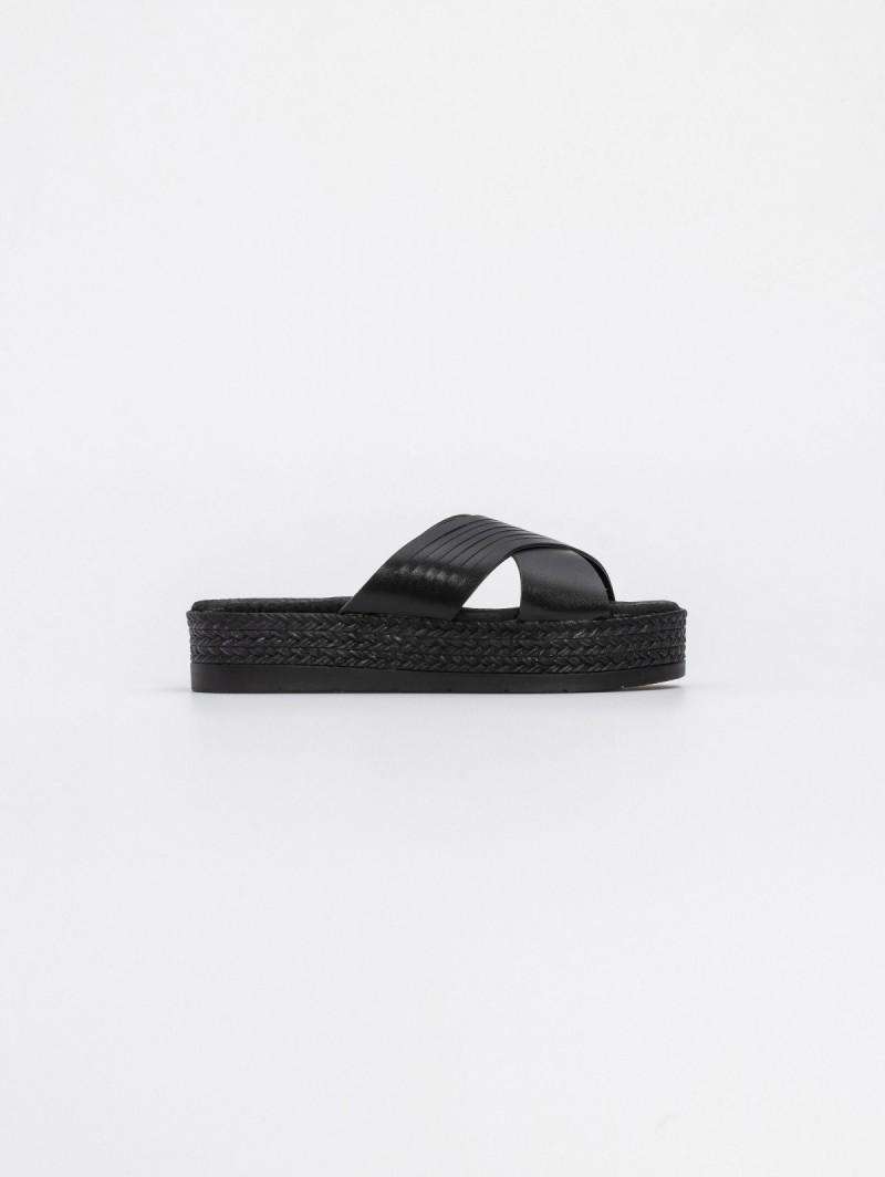 66f49ecb95 Estil flatforms με χιαστί φάσες - Μαύρο - TheFashionProject