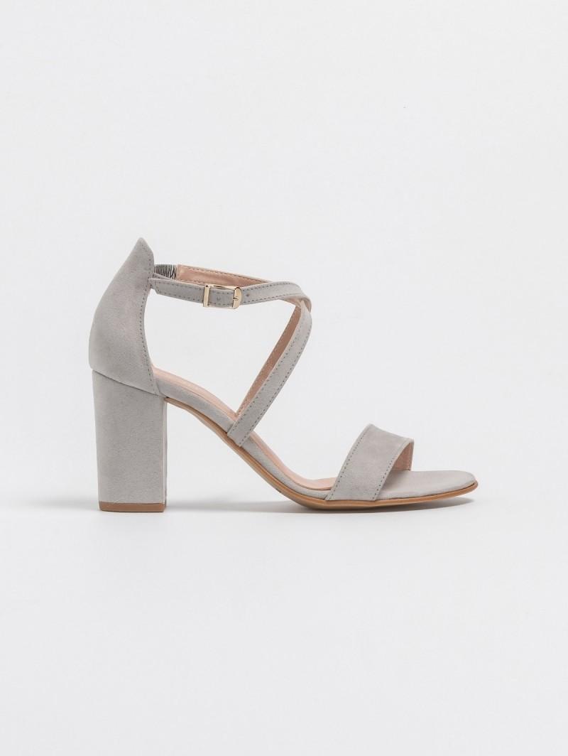 e03c027307 Estil suede block heel πέδιλα με χιαστί λουράκια - Γκρί ...