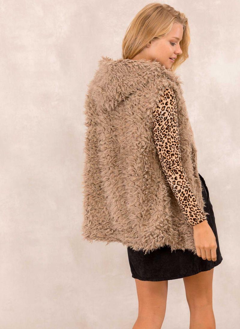 Γούνινο γιλέκο με fleece επένδυση - Μπεζ - TheFashionProject 925c53caf1e