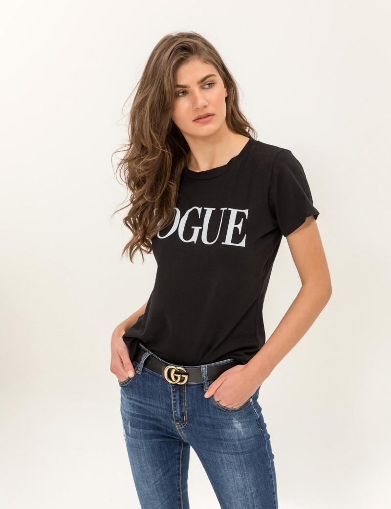 85fc420d369c Κοντομάνικη μπλούζα με στάμπα VOGUE - Μαύρο - TheFashionProject