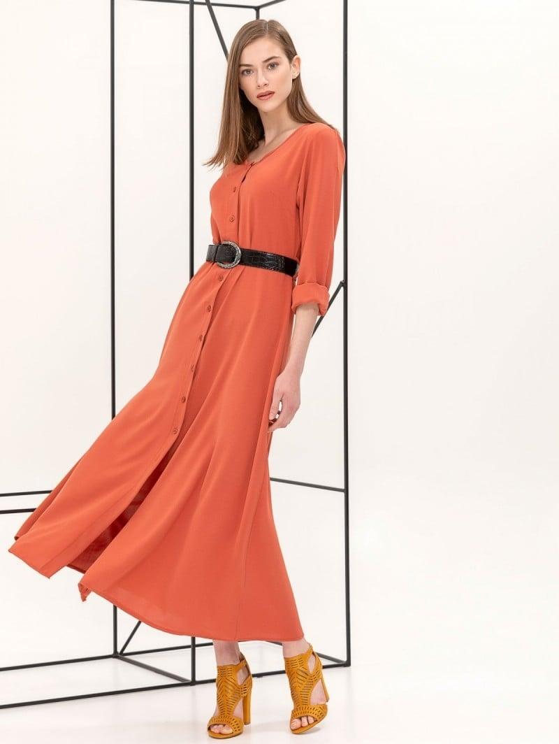 b1cf7b944b49 Maxi φόρεμα με κροκό ζώνη - Κεραμιδί - TheFashionProject