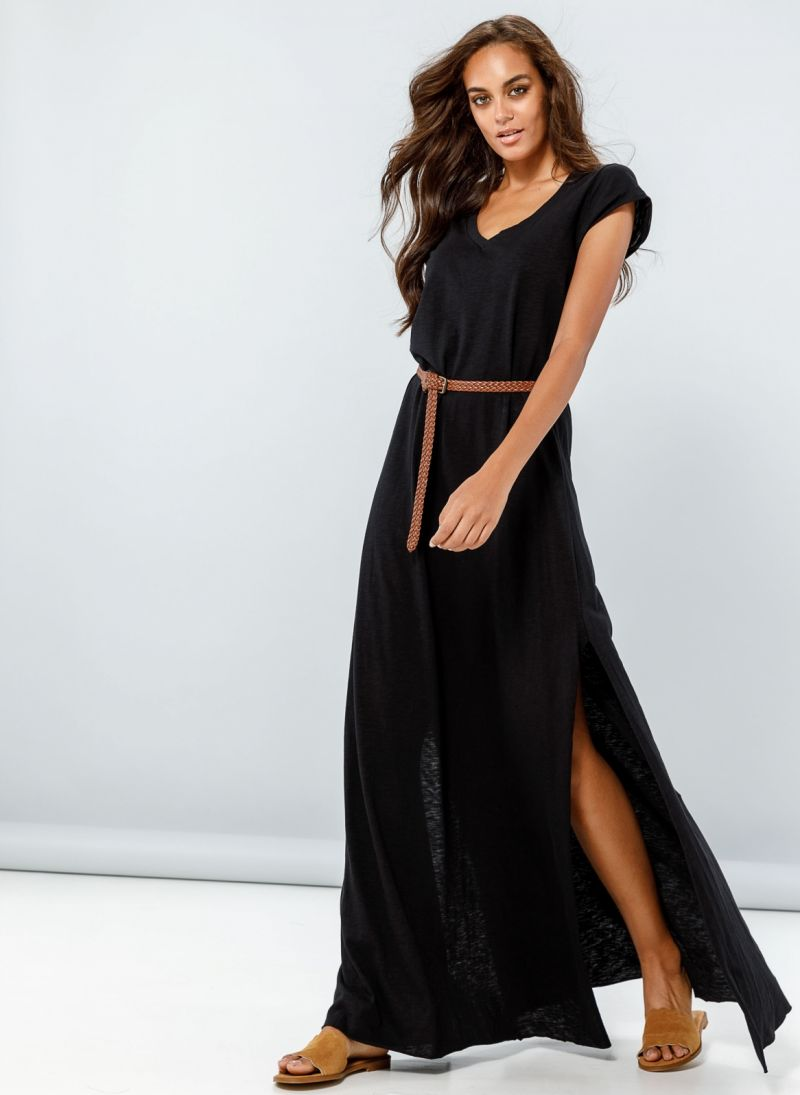 b8e35dadbfd4 Maxi φόρεμα με λαιμόκοψη - Μαύρο - TheFashionProject