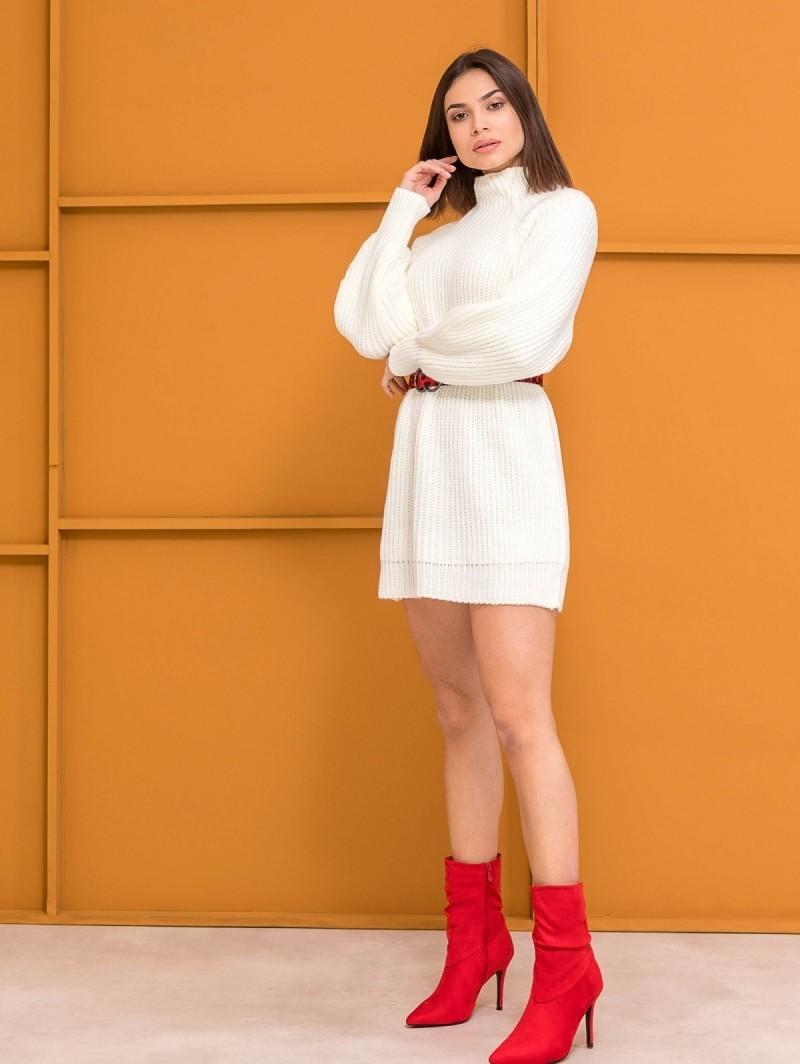 2697bee19399 Oversize πουλόβερ με ψηλό γιακά - Λευκό - TheFashionProject