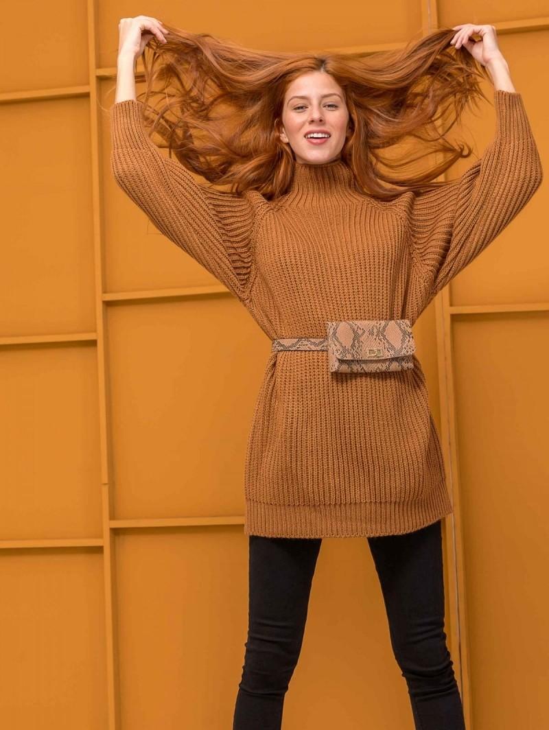 6ff8f197633 Oversize πουλόβερ με ψηλό γιακά - Καφέ