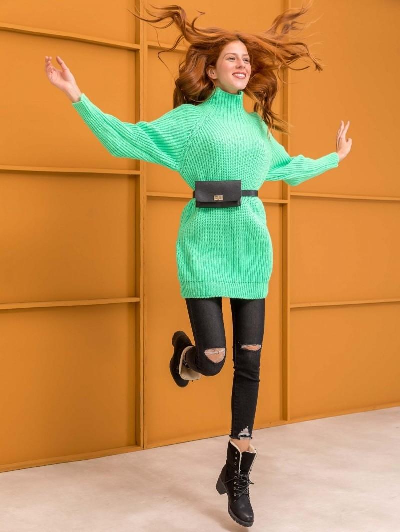 df25a6b60cb4 Oversize πουλόβερ με ψηλό γιακά - Φλούο Πράσινο - TheFashionProject