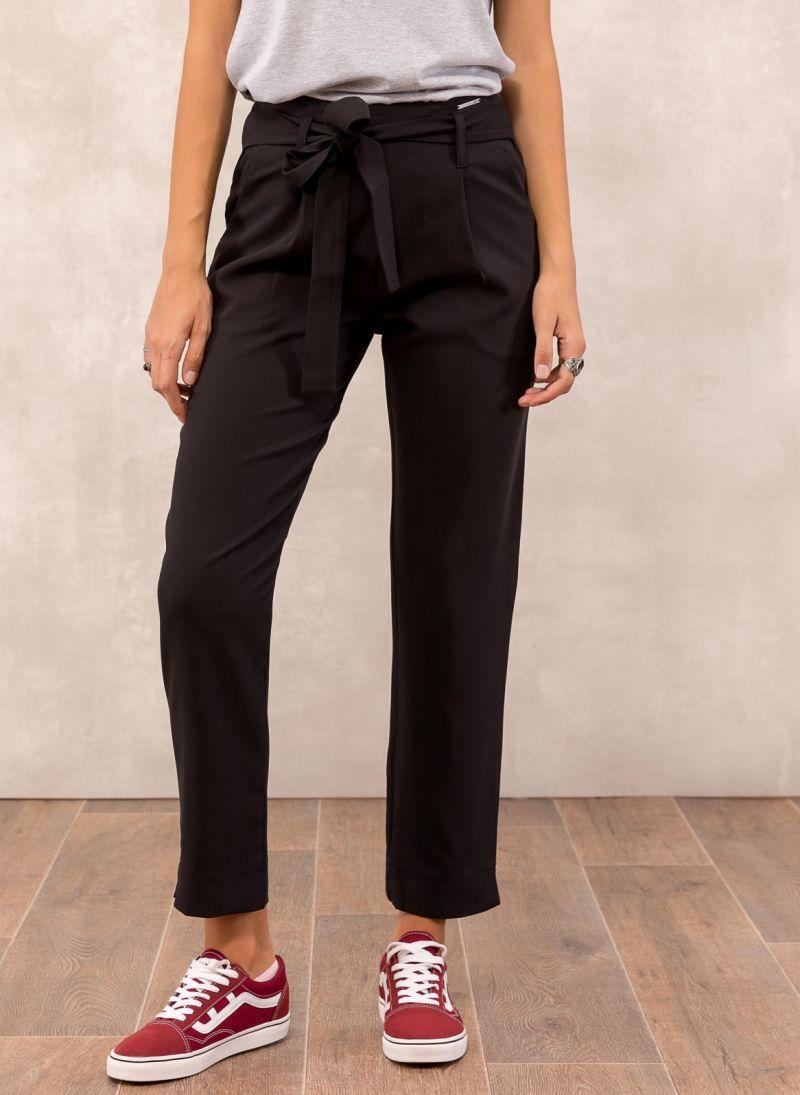 197c1c44bde Ψηλόμεσο υφασμάτινο παντελόνι με ζώνη - Μαύρο - TheFashionProject