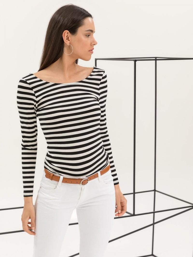 bf5eb39dce5b Ριγέ μακρυμάνικη μπλούζα - Λευκό Μαύρο - TheFashionProject