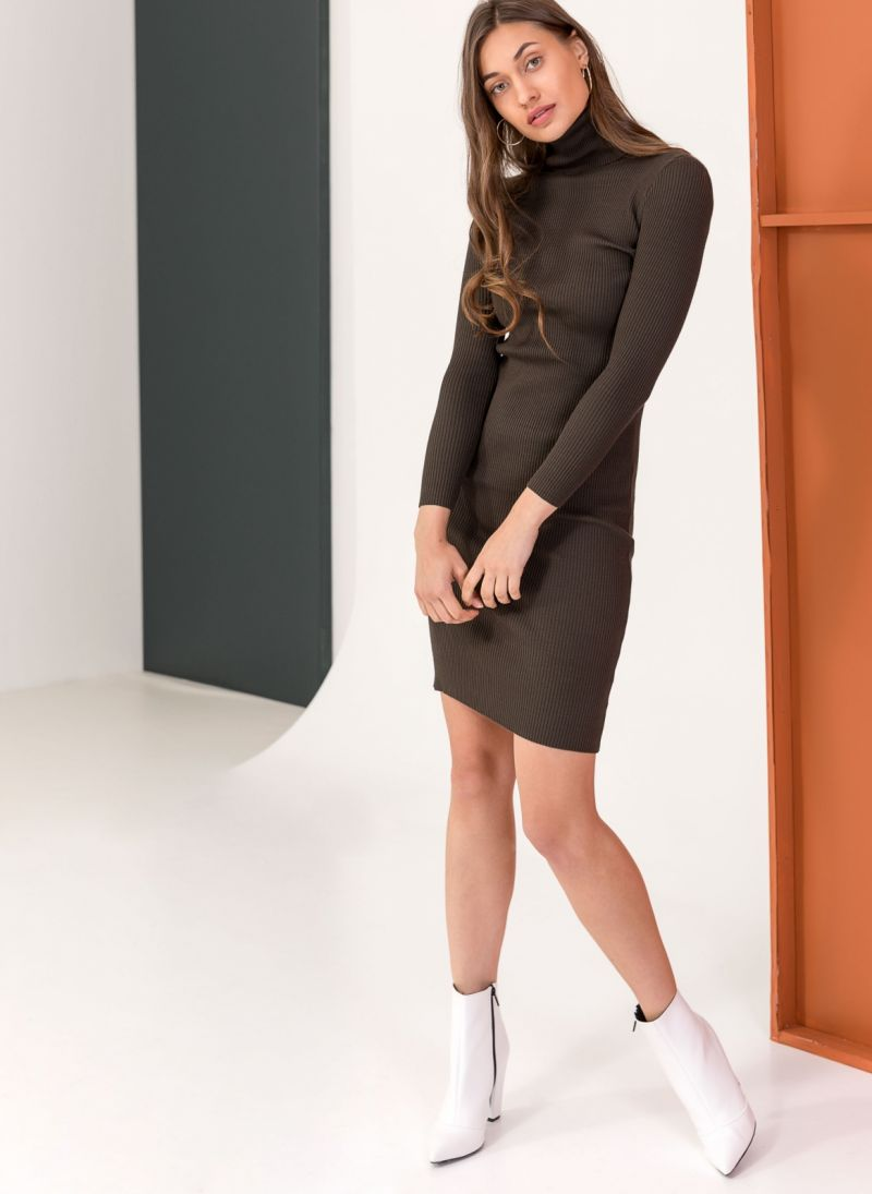 87ece7c8e737 Ριπ εφαρμοστό φόρεμα με ζιβάγκο - Χακί - TheFashionProject