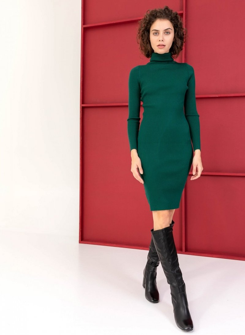 52b63db9ebe8 Ριπ εφαρμοστό φόρεμα με ζιβάγκο - Κυπαρισσί - TheFashionProject