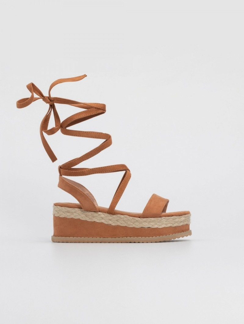 09f9536e2b1 Suede lace up πλατφόρμες - Ταμπά - TheFashionProject