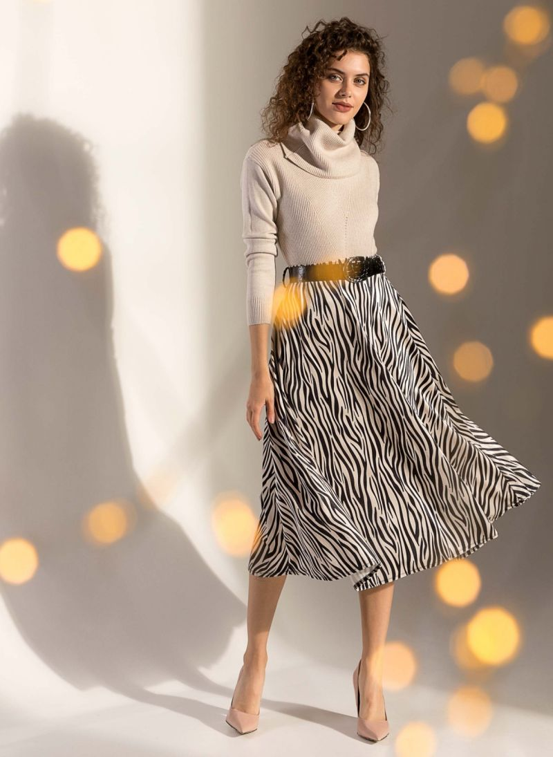 38cc794e67f Βελουτέ φούστα με κροκό λουστρίνι ζώνη - Μαύρο/Μπεζ - TheFashionProject